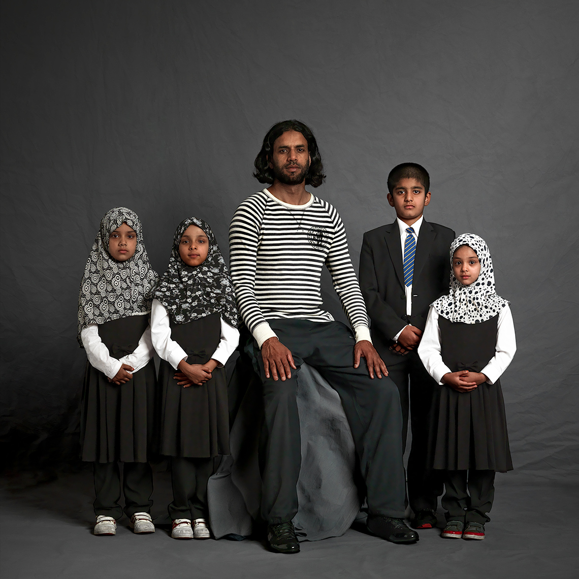 Ejaz-family-formal©Paul Hampton Photographer Glasgow