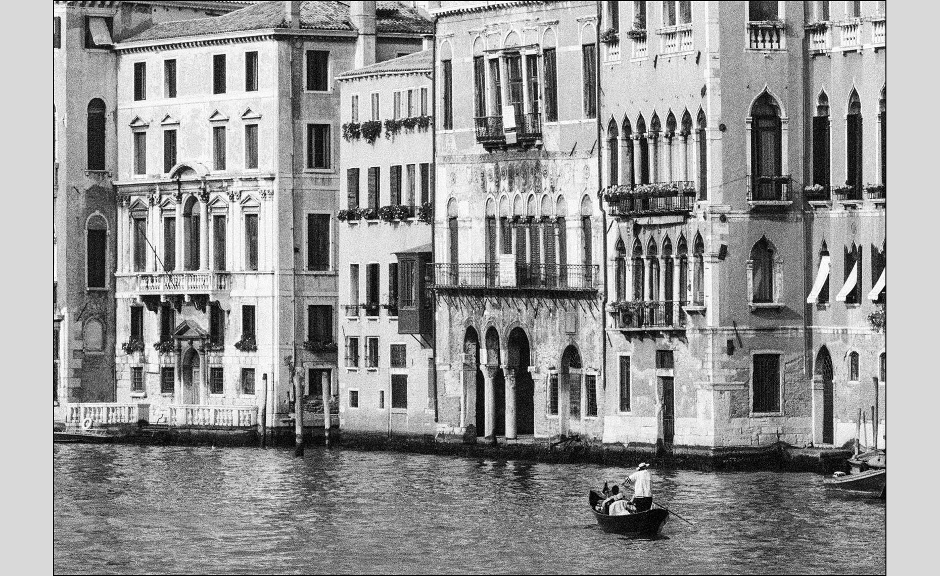 Venice Apartments on Grand Canal ©Paul Hampton Photographer Glasgow